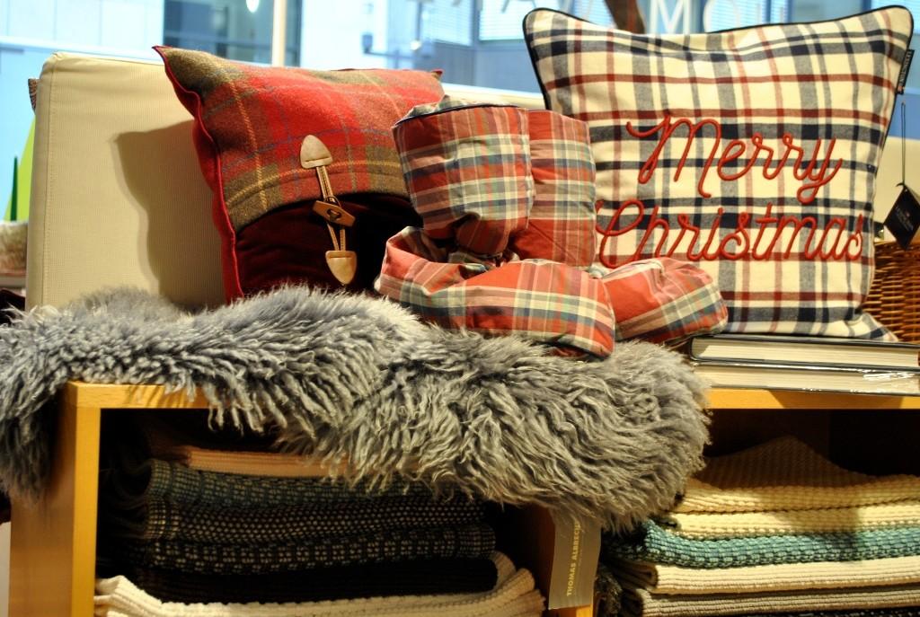 webpelz tag und nacht. Black Bedroom Furniture Sets. Home Design Ideas